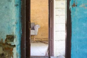 Kampinos stare drzwi